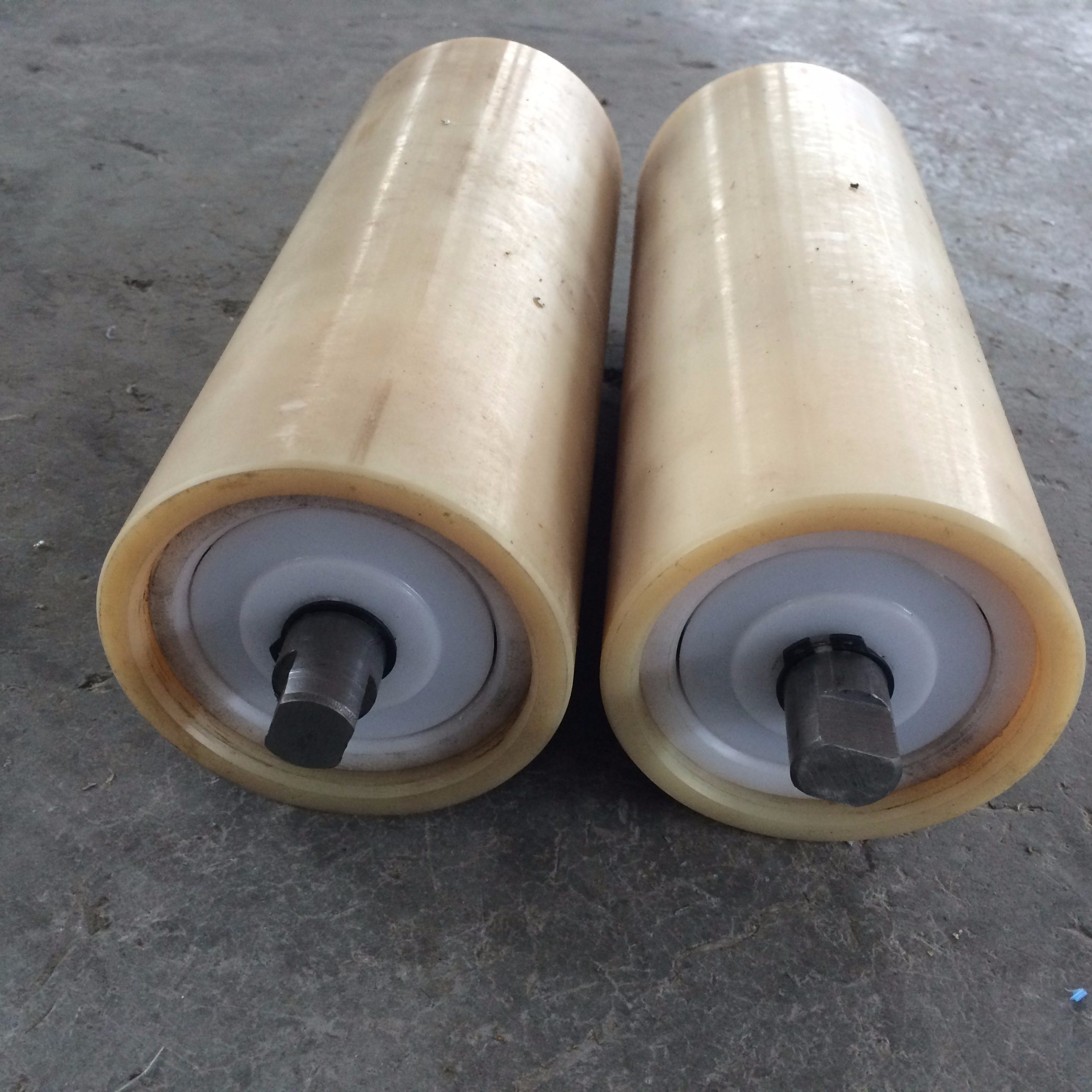 Heavy Loading and Heat Resistant Conveyor Roller for Mining pictures & photos