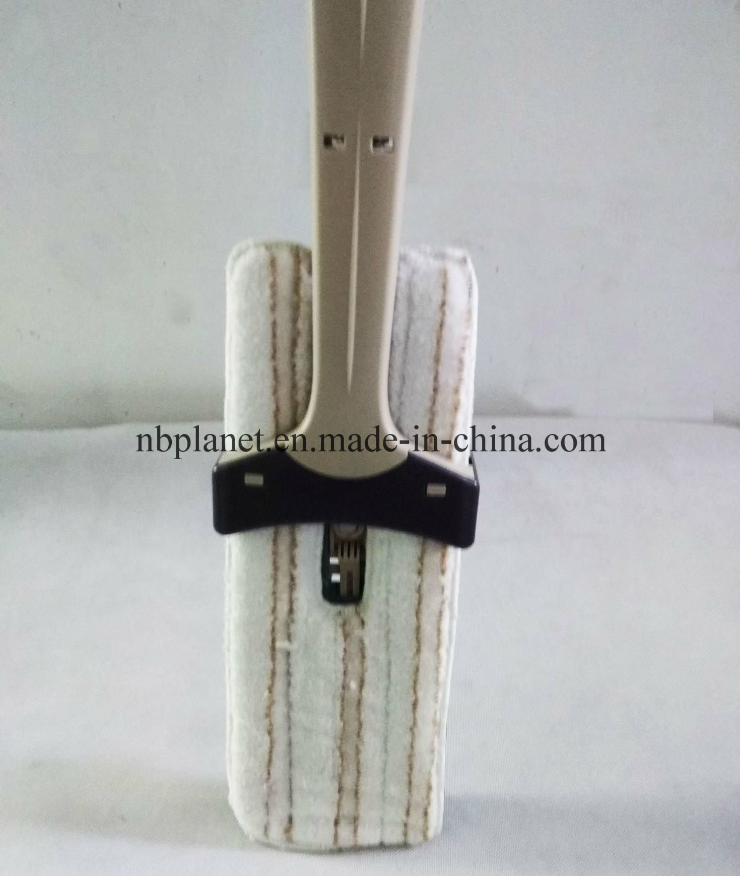 New Design Microfiber Squeeze Mop with Double-Side Mop Pad