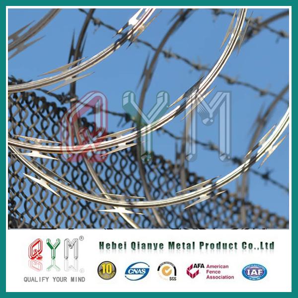 China Concertina Razor Wire/Hot-Dipped Galvanized Razor Barbed Wire ...