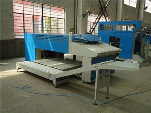 Towel Folding Machine pictures & photos