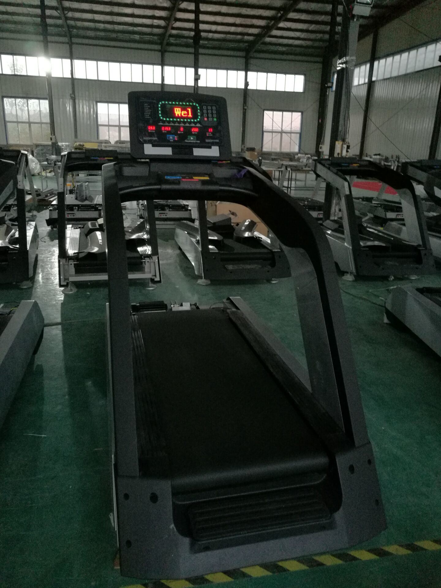 Dezhou Fitness Equipment Treadmill Tz-8000 / Gym Walking Machines Walk pictures & photos