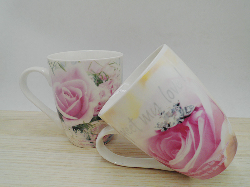 Flower Surface Ceramic Mug pictures & photos