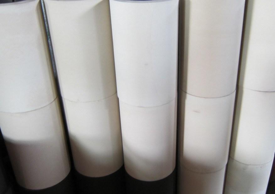 NBR SBRの鉄のドラム米もみすり機のゴム製ローラー、米製造所のゴムローラー