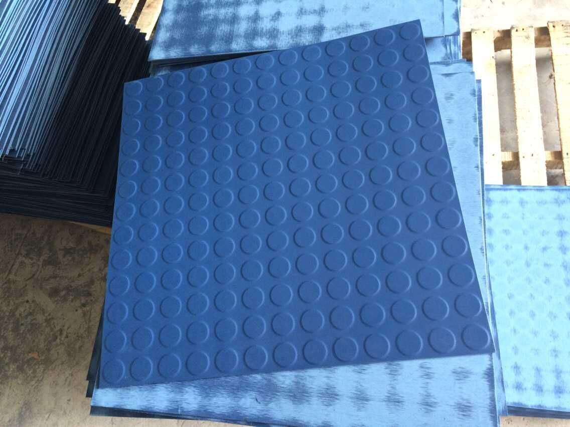 Foto de Moneda colorida alfombra de goma para pisos de