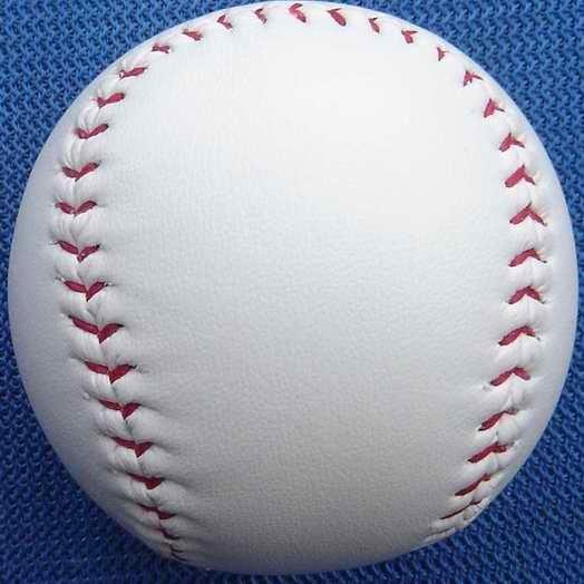 كرة البيسبول (لتصميم اليابان)