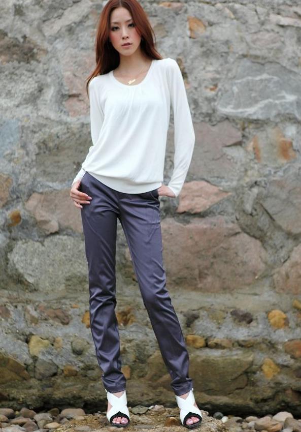 1.Women&acutes Tシャツは折り目が付くライン回転式明確で、正確な2.手供給である<br /><br />指定<br /><br />モデル<br />YH660<br /><br />折り目が付く幅<br />660mm<br /><br />最高の厚さ<br />400GSM<br /><br />折り目が付く機能<br />電気<br /><br />次元W&amp; 時; D& 時; H<br />1100& 時; 960& 時; 255mm<br /><br