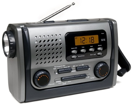 La manivela Dynamo AM FM Radio de emergencia