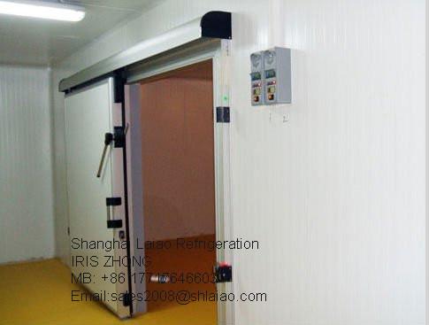 Foto de Cocina pequeño congelador de almacenamiento de un ...