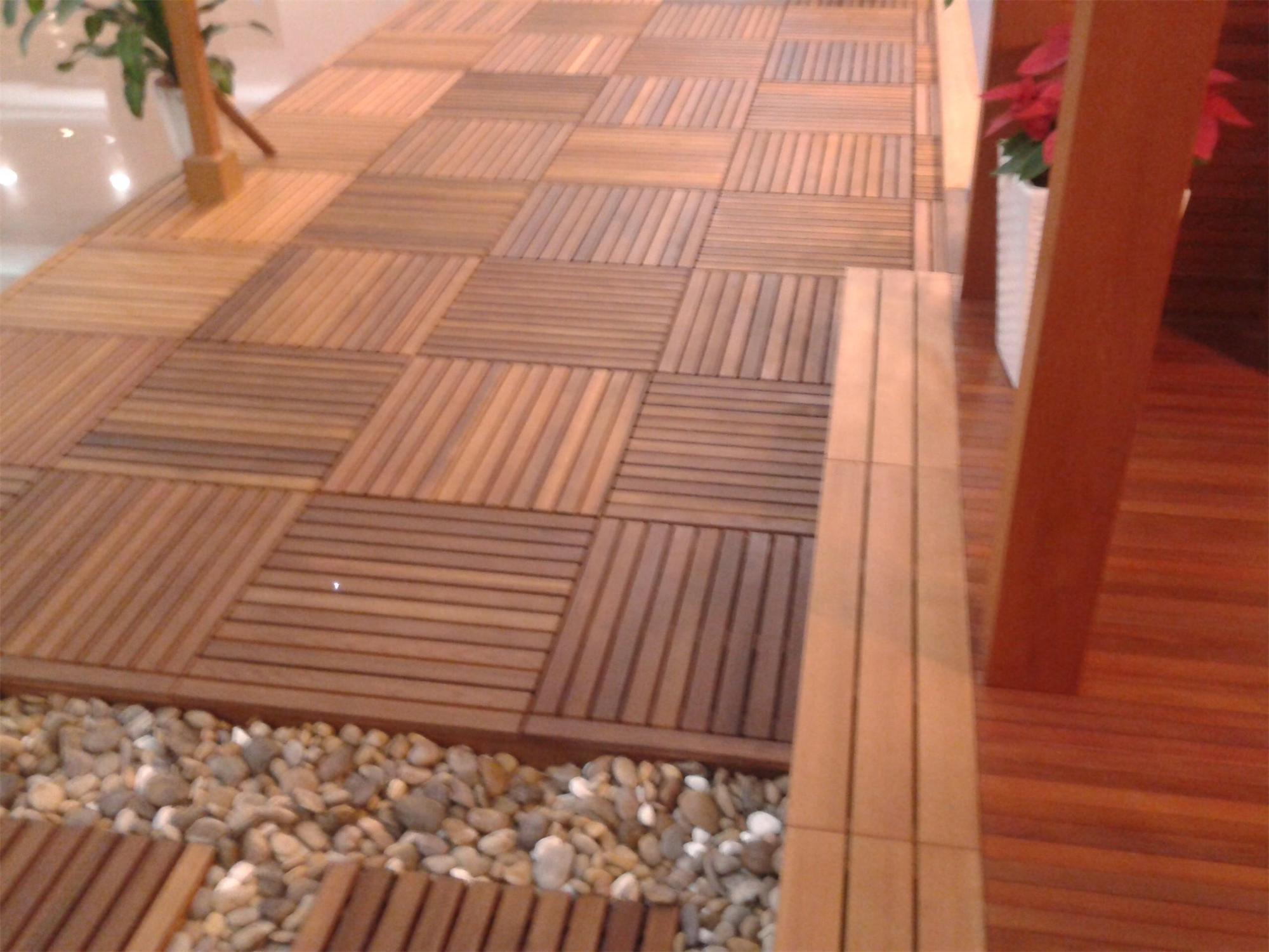 foto de cedro rojo revestimientos de suelos de parquet pisos de madera en es made in. Black Bedroom Furniture Sets. Home Design Ideas