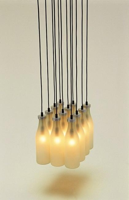 乳白ガラスの球の黒ワイヤーG4吊り下げ式ライト(MD8805-12)