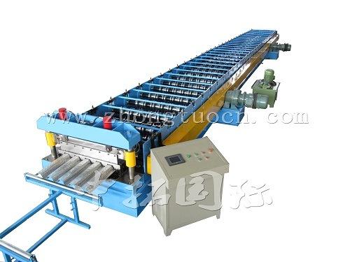 機械を形作る橋床ロール