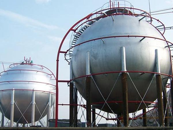 Фото шаровых емкостей для хранения газа