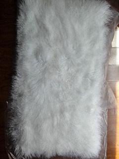 チベットのヒツジの毛皮毛布