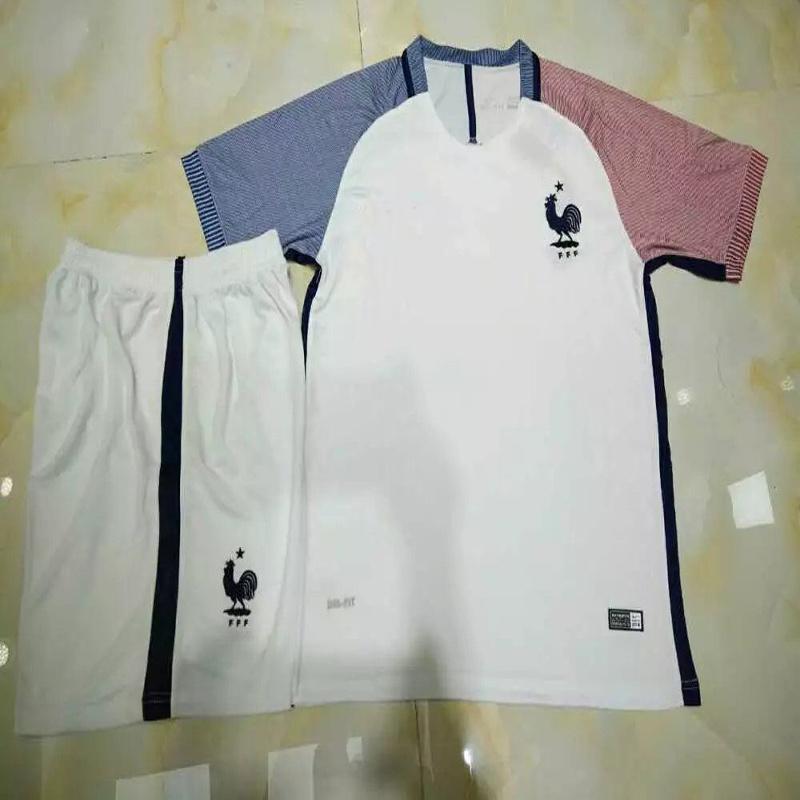 La temporada 2016/2017 Blanco Kit de jersey de fútbol de Francia ...