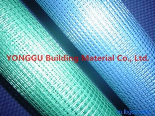 Fabricado en China 145g 5*5mm de malla de fibra de vidrio resistente a los álcalis