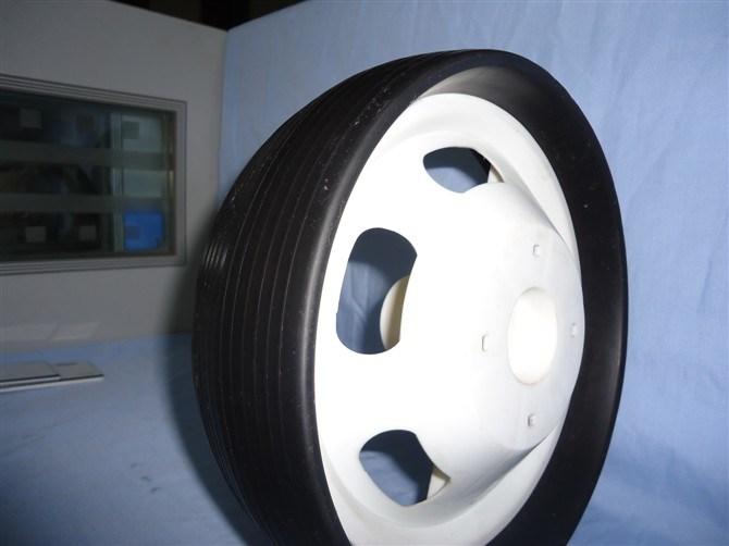 [12-ينش] عجلات بلاستيكيّة - 1