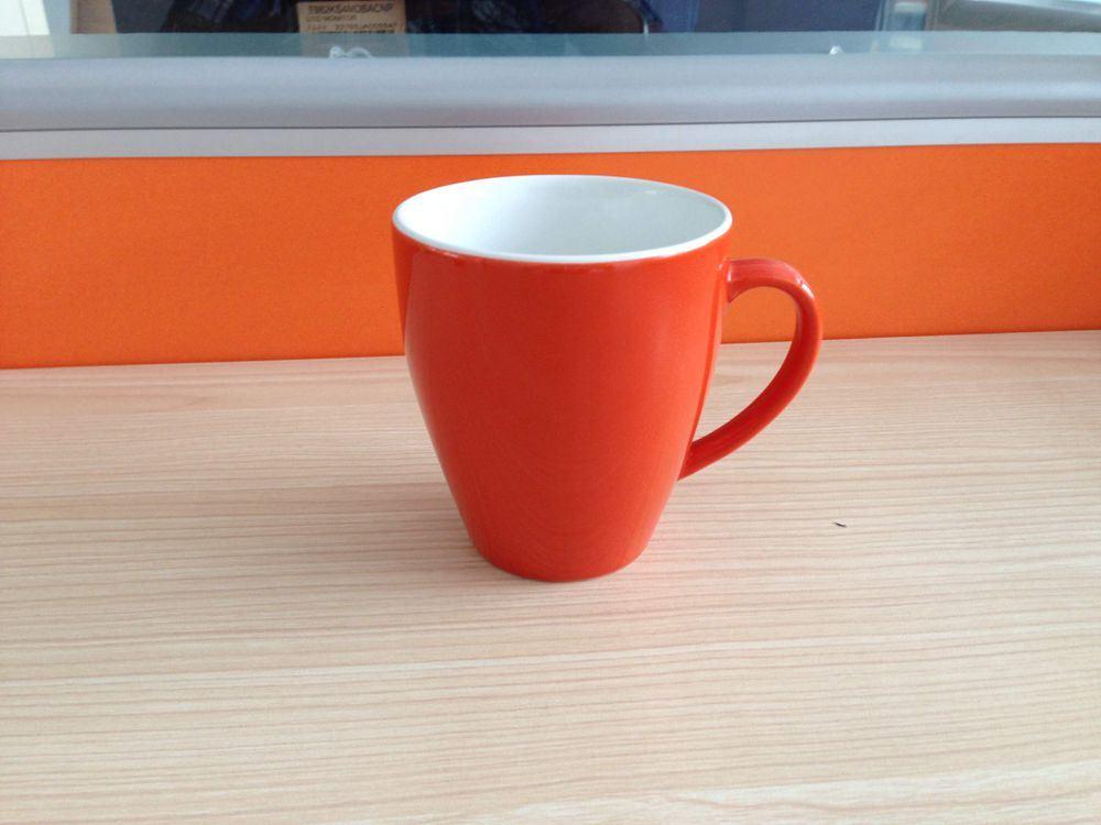 En forme de V deux tons de couleur en céramique émaillée/grès tasse à café/Mug (WSY761M)