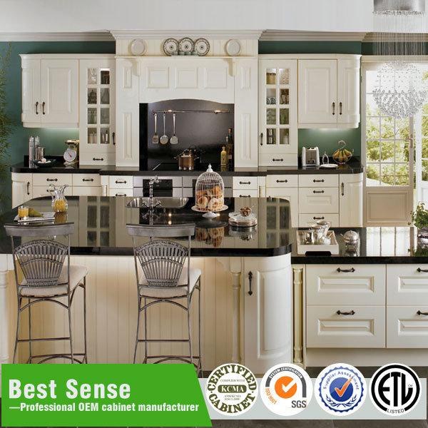 Foto de Diseño de conjunto de muebles de cocina contemporánea en es ...