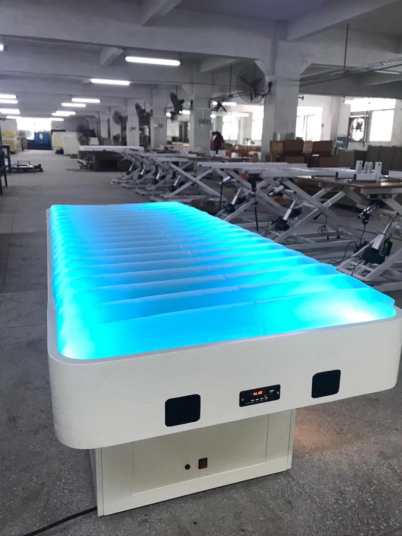 2020 Nouvelle conception de l'eau Table de massage de thérapie pour terrain de jeux intérieur