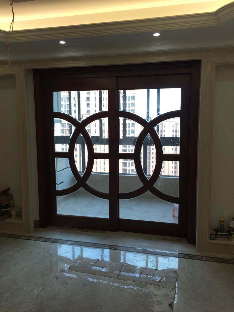 Foto de Puerta deslizante de cristal de lujo del marco de madera del ...
