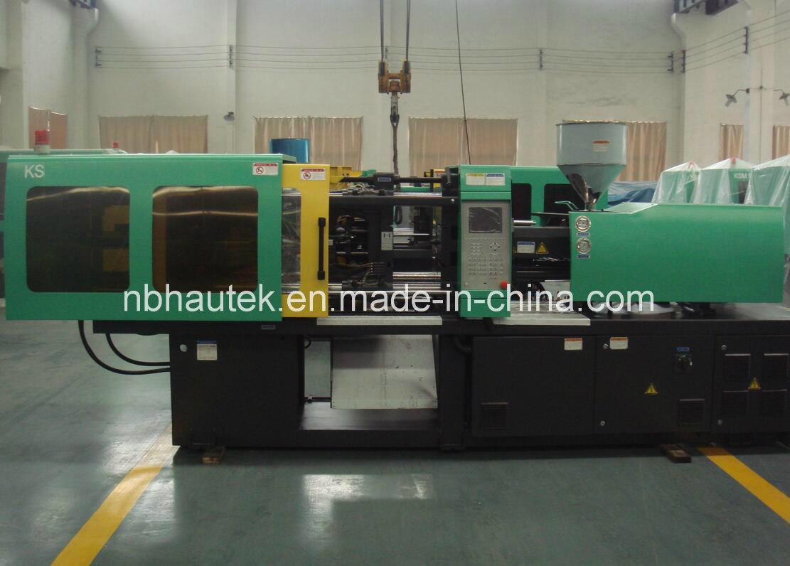 Macchina di plastica automatica approvata dello stampaggio ad iniezione del Ce