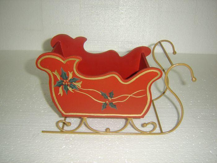 Trineo de madera cered de la navidad para el dise o de la for Trineo madera decoracion