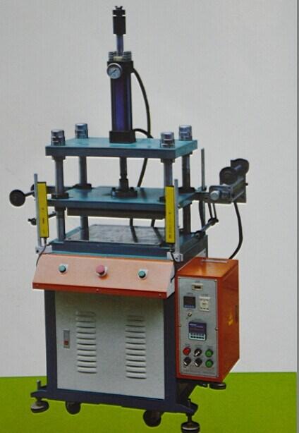 Amplamente usado Modelo: Jlyd um 30 Toneladas Máquina de prensa elétrica Hidráulica Manual
