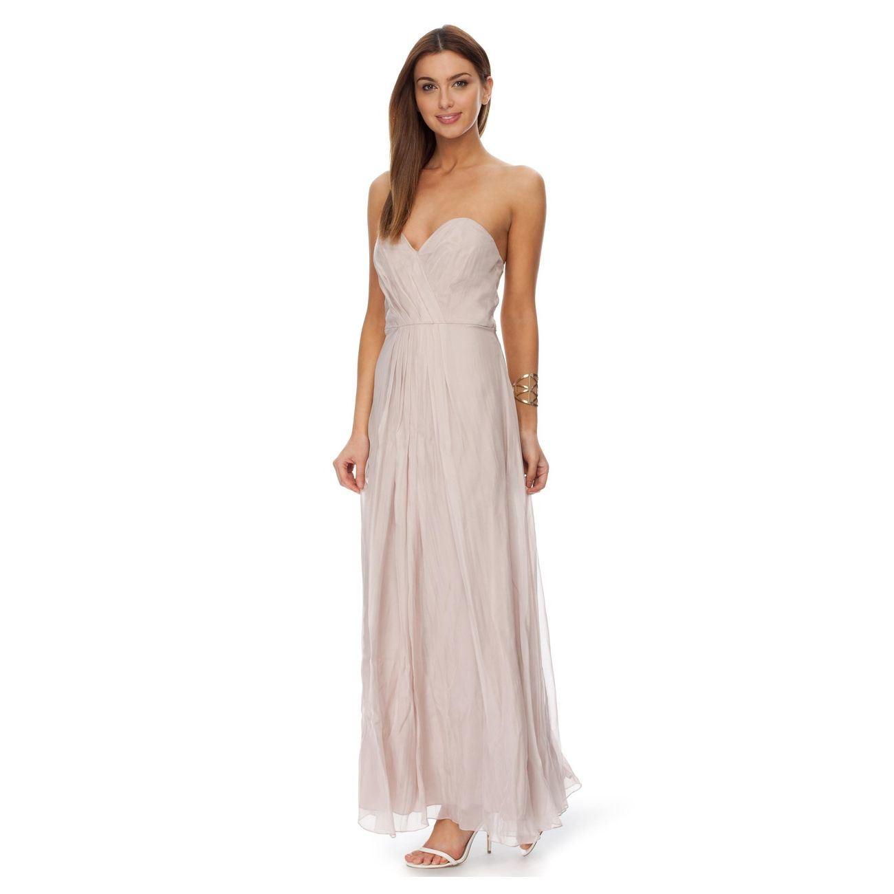 Criado a partir de Chiffon de seda, Maxi Dress apresenta belas pregueamento, feitos a partir de 100% de seda