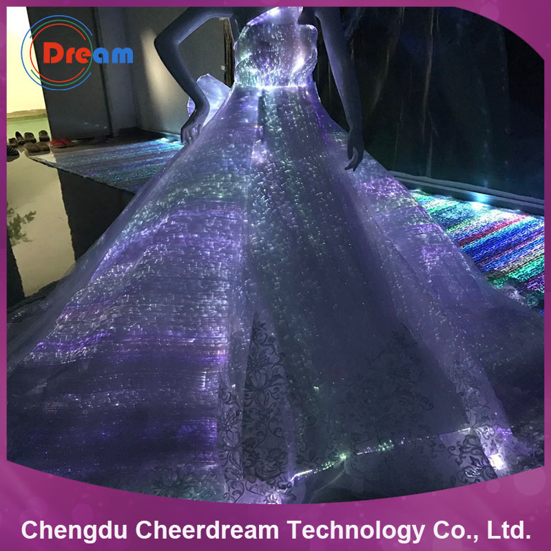 foto de la iluminación de tejido de fibra óptica de plástico vestido