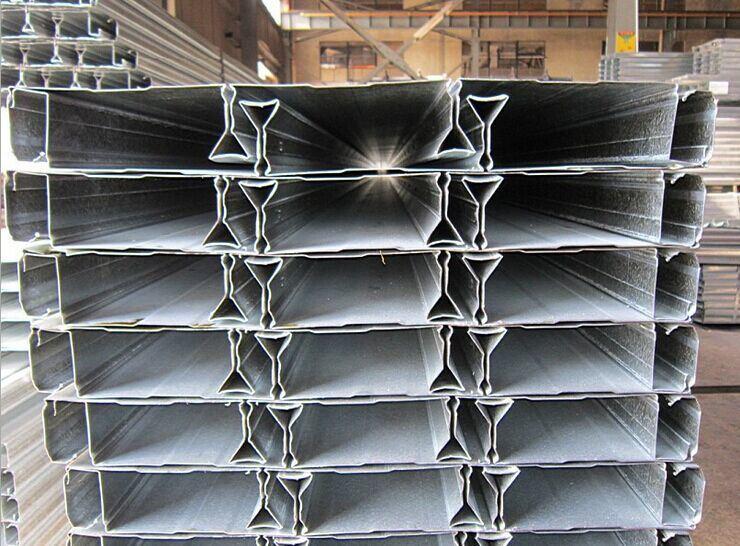Foto de Estructuras de acero galvanizado cubierta de edificios de ...