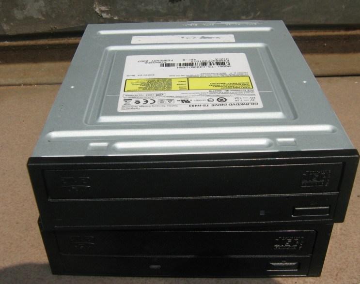 DVD RW 22X (TS-H662)