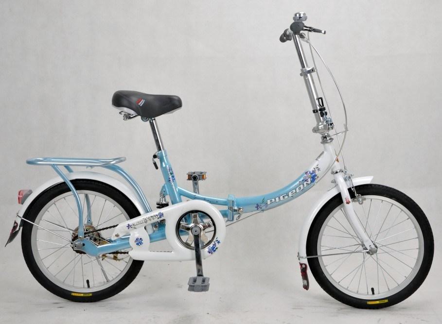 جميلة مدينة دراجة يطوي دراجة