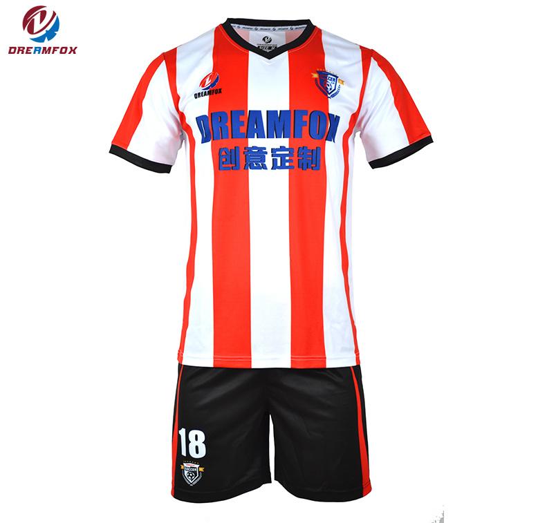 46571079a027e Barato al por mayor de fútbol personalizadas sublimación uniforme 100%  poliéster Conjunto de camiseta de