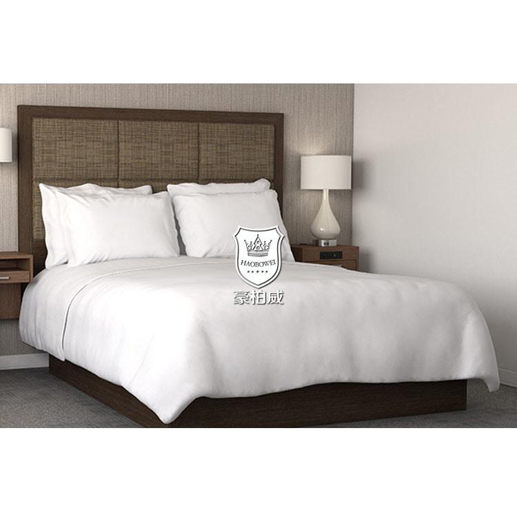 Foto de Dormitorio con cama Queen Hotel Marco de la cama de madera ...