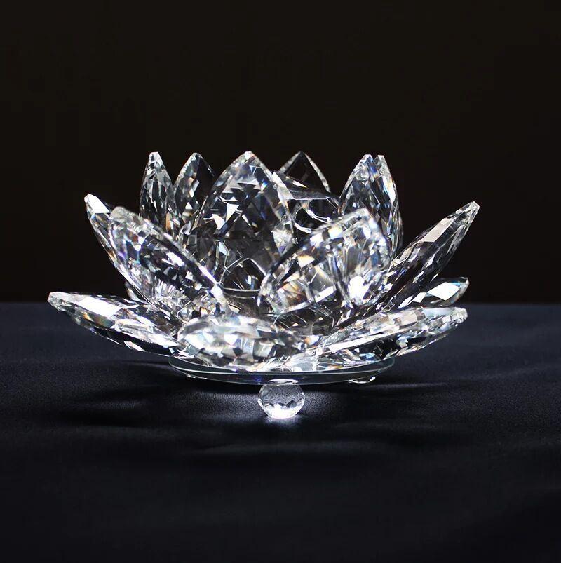fleur de lotus chandelier de cristal les d tenteurs de. Black Bedroom Furniture Sets. Home Design Ideas