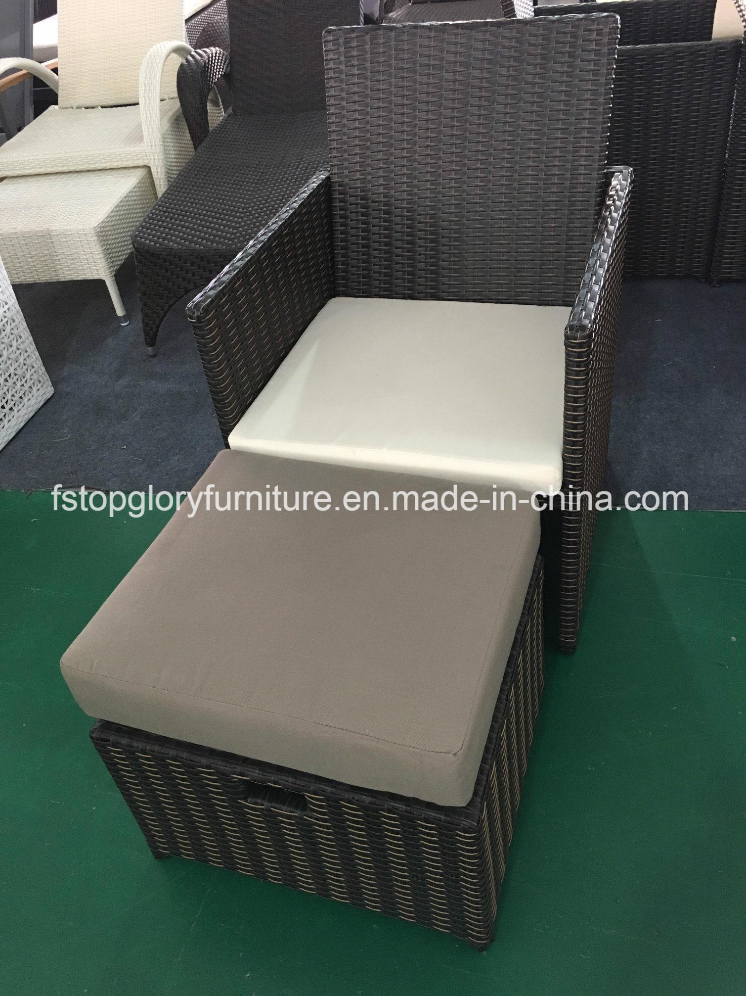Foto de Jardín de ratán mesa de comedor y una silla de comedor ...