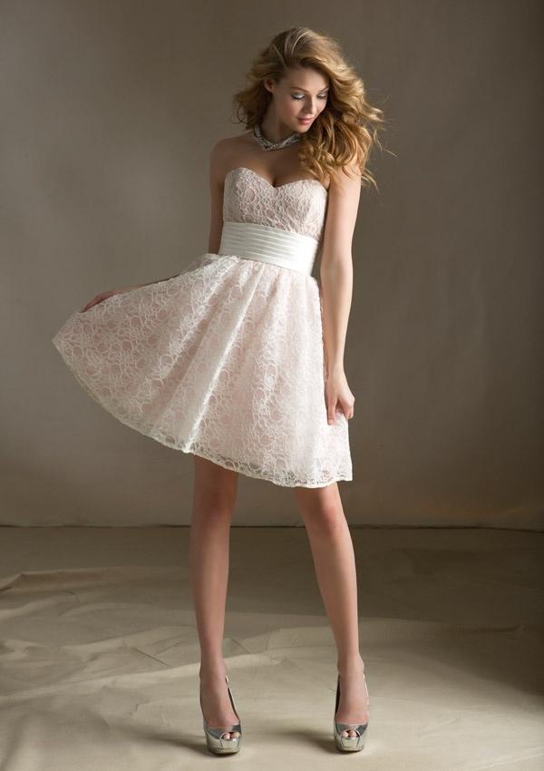 wholesale dealer b9643 e0f89 Brevi vestiti da partito bianchi di sera dei vestiti da ...