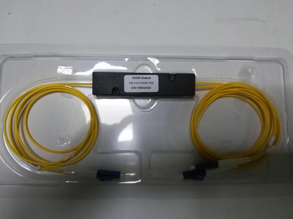 Espacement des canaux de l'UIT ABS MODELE 100GHz 3-Port de la FFT CWDM avec connecteur