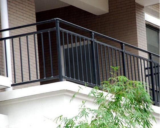 conception simple de balustrade noir noir main courante pour balcon dh railing 2 photo sur fr. Black Bedroom Furniture Sets. Home Design Ideas