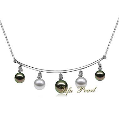925銀製のAkoyaの真珠のネックレス
