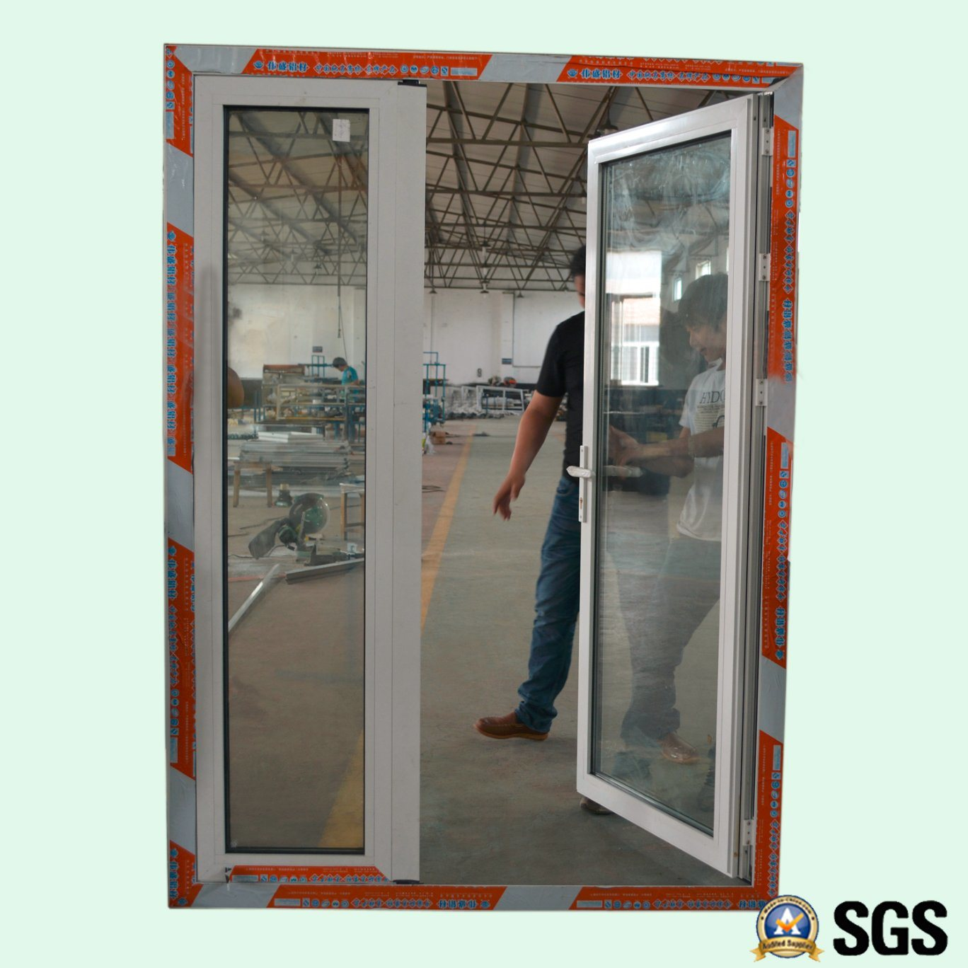 Puerta doble del marco del color de las hojas desiguales de aluminio ...