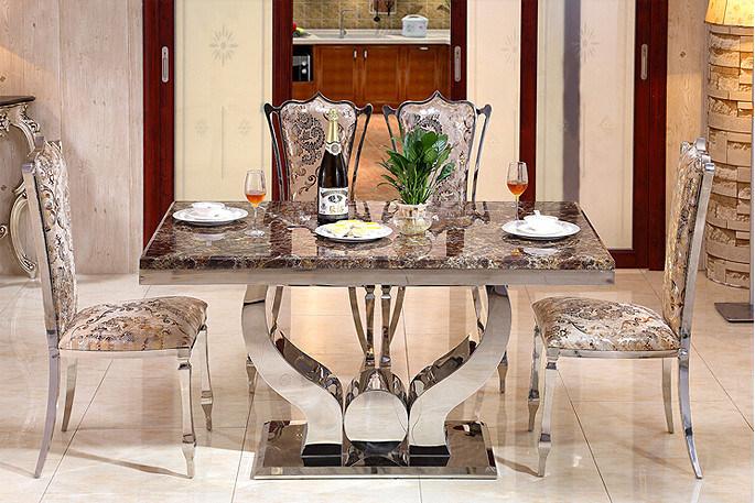 Moderne Eetkamer Set.De Moderne Geplaatste Eetkamer Van Het Glas Eettafel Met 6 Stoelen