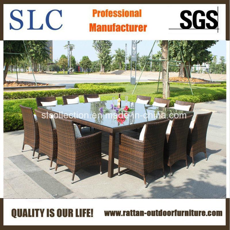table d 39 osier set si ges profonds des meubles en osier de plein air sc a7198 photo sur fr made. Black Bedroom Furniture Sets. Home Design Ideas