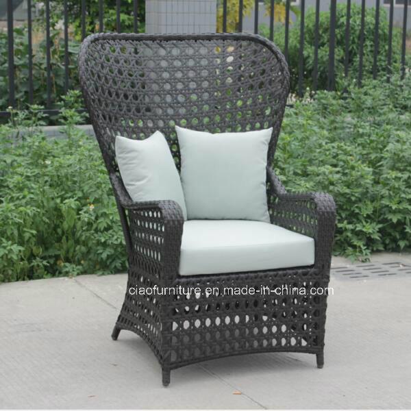 Foto de Modernos muebles de exterior jardín con respaldo alto/Mimbre ...