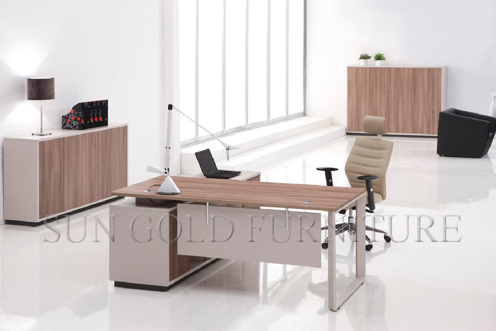 Foto de muebles caseros modernos de ikea de la peque a for Lista de muebles de oficina