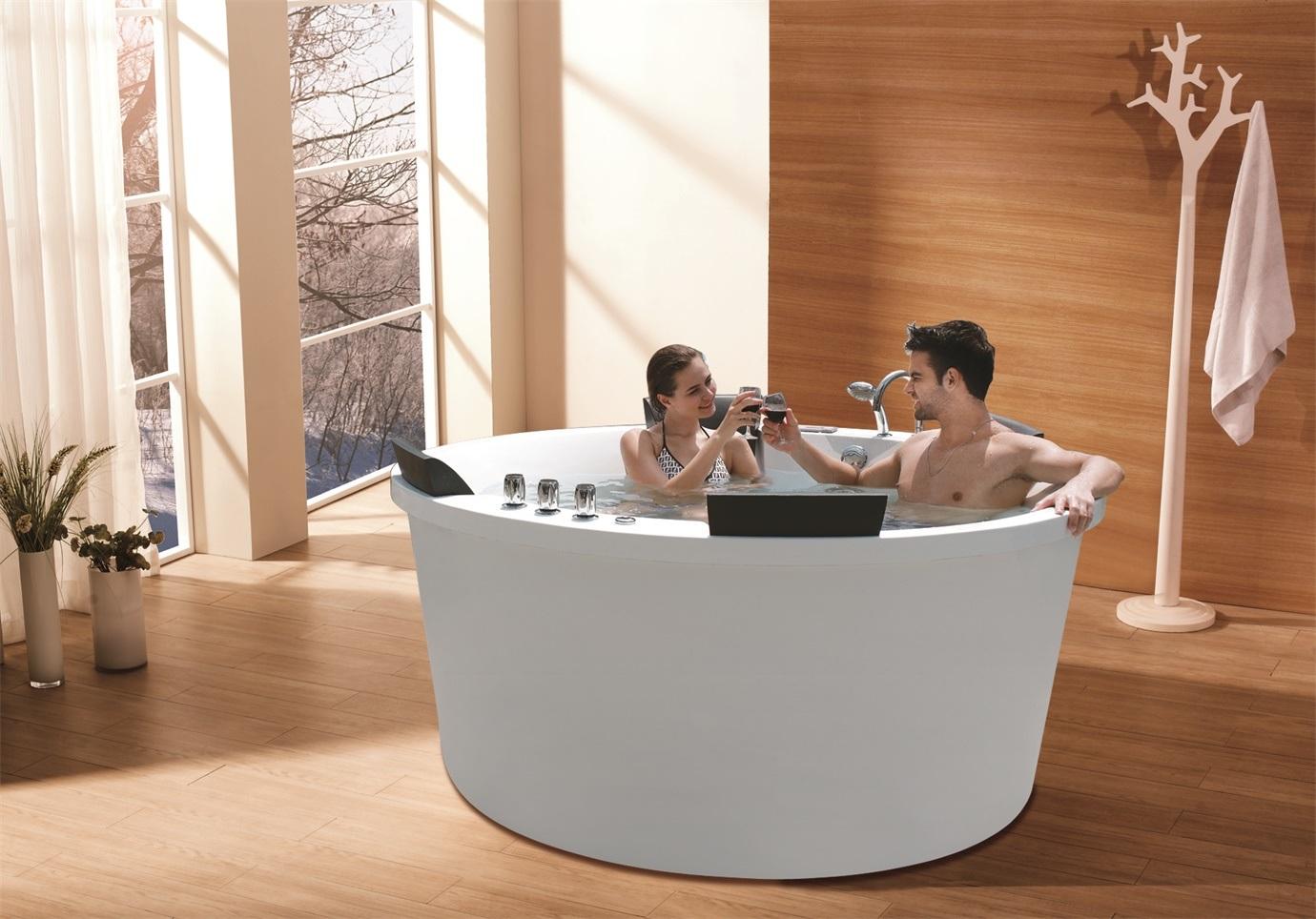 Vasca Da Bagno Romantica : Vasca da bagno romantica di massaggio della vasca da bagno calda