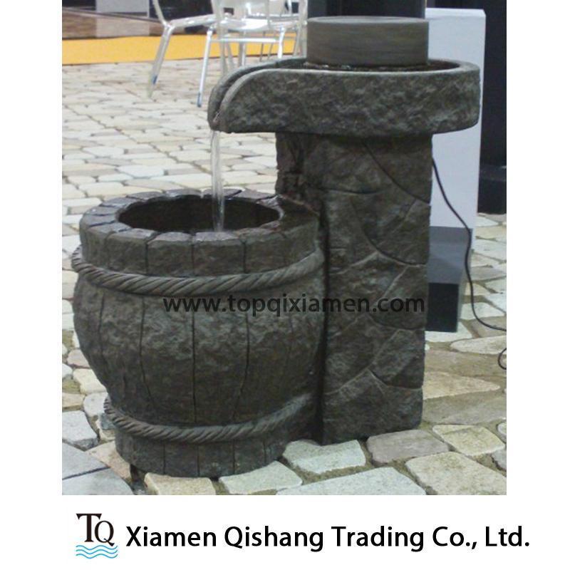 pierre de granit noir outdoor petite fontaine fonction de l 39 eau photo sur fr made in. Black Bedroom Furniture Sets. Home Design Ideas