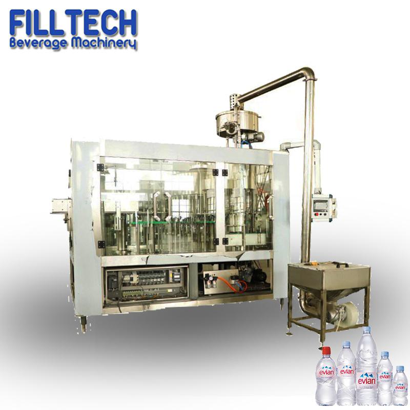 Acqua minerale pura /Beverage/Liquid della piccola bottiglia automatica dell'animale domestico che imbottiglia la macchina per l'imballaggio delle merci di riempimento dell'imballaggio