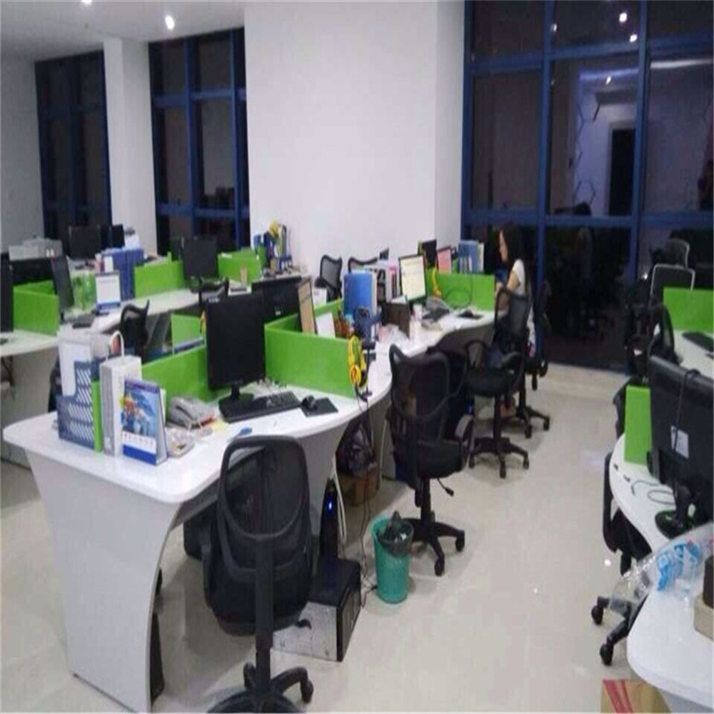 Foto de Forma curvada Corian escritorios de oficina estaciones de ...