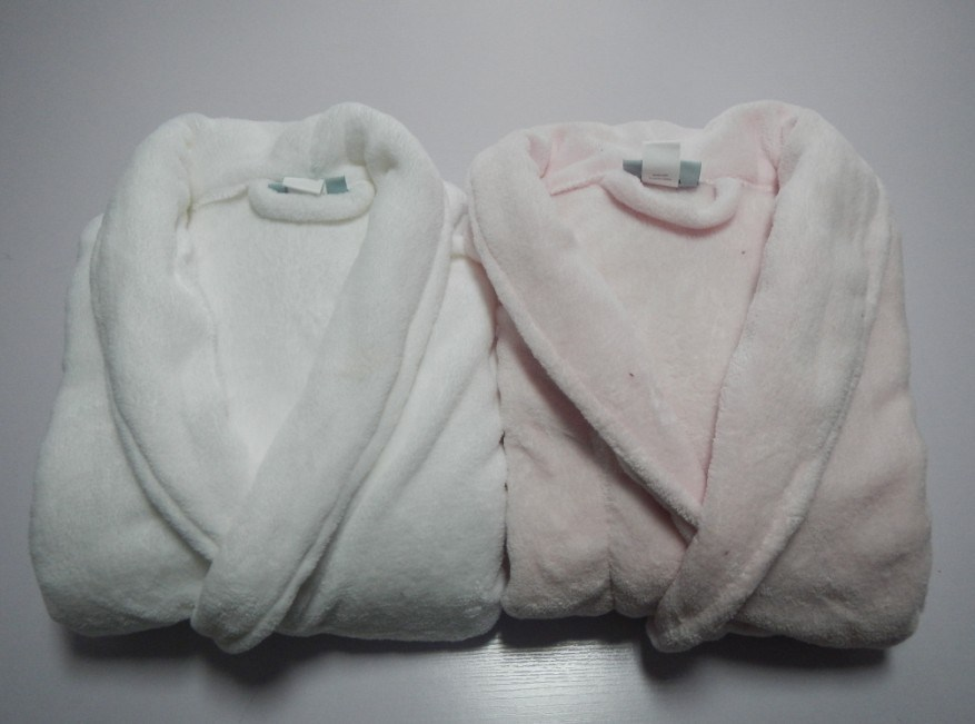 100% polyesters super soft Coral Fleece Bathobe for The unisex ones, Nightgowns